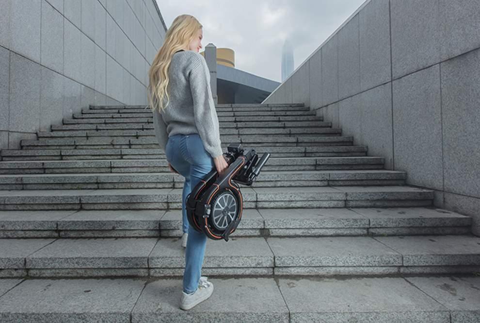Smacircle, bici elettrica pieghevole trasportabile